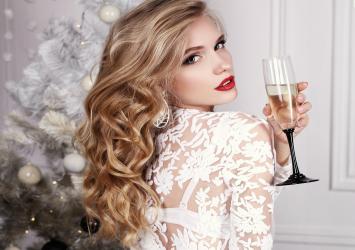 12 Instagram Worthy New Year S Eve Hairstyles Hem Hair Extension Magazine